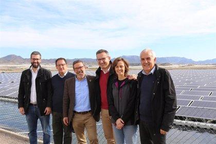 """Conesa: """"La desaladora de Mazarrón es una demostración de que se puede compaginar desarrollo agrícola y sostenibilidad"""""""