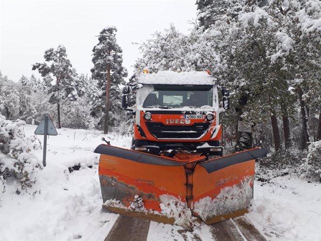 Nieve en La Rioja. Quitanieves