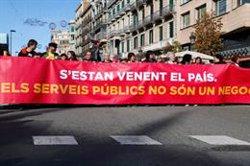 Una gran manifestació recorre el centre de Barcelona per exigir l'aturada de la 'llei Aragonès' (ACN)