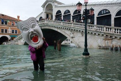 Dos tercios de Venecia bajo las aguas en la peor semana de crecidas en 150 años