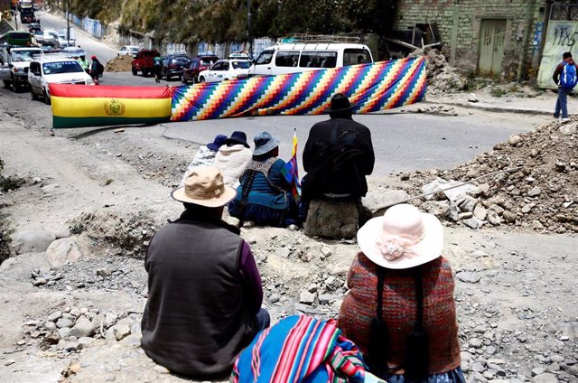 Protesta contra el golpe de Estado en Bolivia en Chuquiaguillo, cerca de La Paz