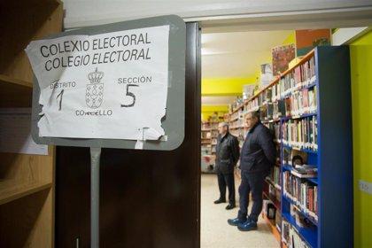 """Cierra la mesa electoral de Burela (Lugo) tras una jornada de """"normalidad"""" aunque """"excesivamente calmada"""""""