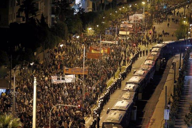 Manifestación por el aniversario de la revuelta de 1973 en Atenas