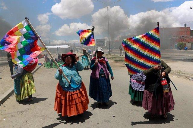 Partidarias de Evo Morales en El Alto, Bolivia