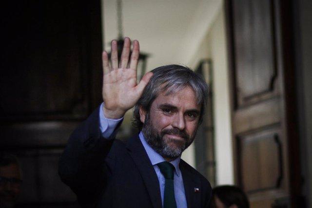 """Chile.-El Gobierno dice ser partidario de """"avanzar hacia una nueva Constitución"""""""