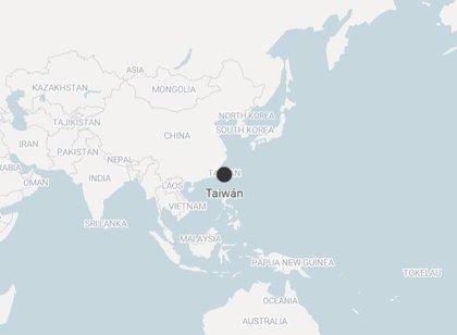 Un portaaviones chino atraviesa el estrecho de Taiwán