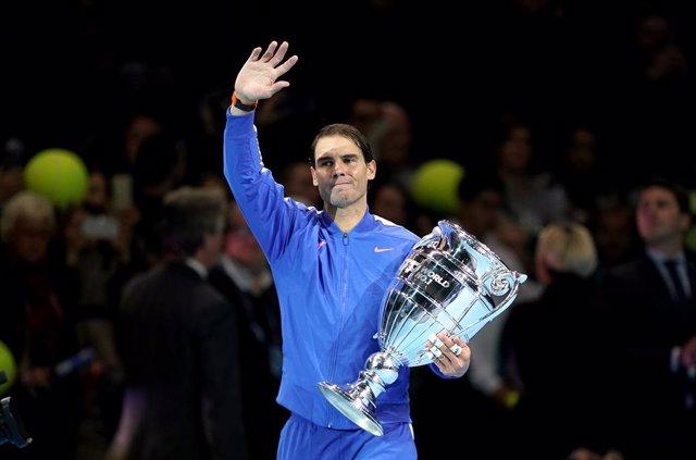 Tenis.- Nadal acaba como número uno y Tsitsipas sigue sexto de la ATP tras las F