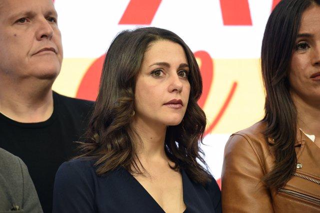 La portavoz parlamentaria de Ciudadanos, Inés Arrimadas, durante la intervención del presidente del partido, Albert Rivera,  en le sede de C's tras la derrota electoral, en Madrid (España), a 10 de noviembre.
