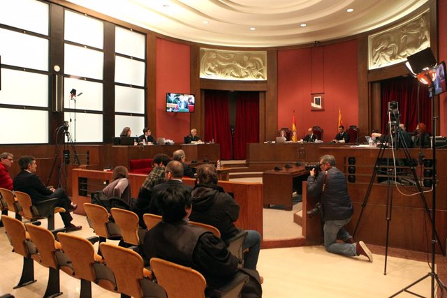 Interior de la sala del Tribunal Superior de Justícia de Catalunya, on declara el president de la Generalitat per no retirar símbols independentistes del Palau de la Generalitat, Barcelona /Catalunya (Espanya), 18 de novembre del 2019.
