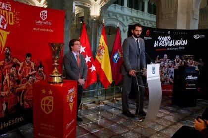 El Ayuntamiento de Madrid homenajea a las selecciones españolas de baloncesto por su gran año