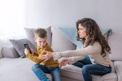 Adicciones tecnológicas: la prevención empieza en casa
