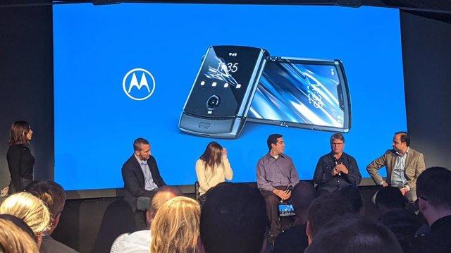 Presentación en Europa del smartphone Motorola Razr.