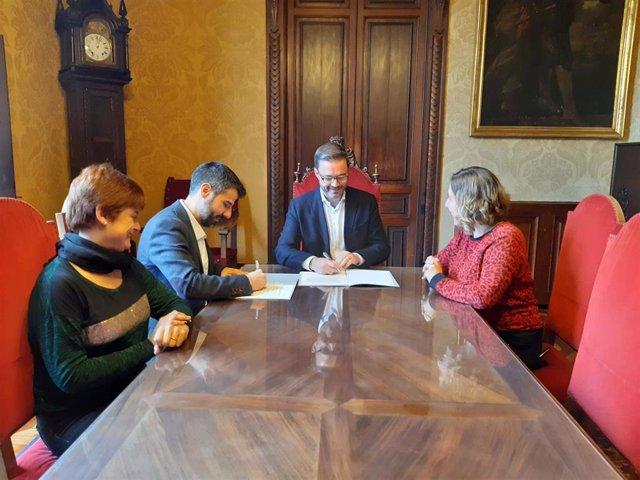 El IMAS y el Ayuntamiento de Palma firman un convenio por los servicios sociales comunitarios.