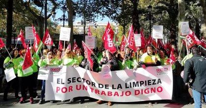 """El """"80%"""" de la plantilla de Expertus secunda la primera jornada de huelga indefinida por los impagos"""