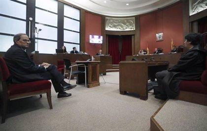 """El fiscal dice que Quim Torra desobedeció y que """"se vino arriba"""" cuando cambió la pancarta"""