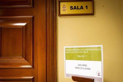 Once diputados recogen su acta en el Congreso el primer día de acreditaciones