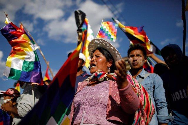 Manifestación a favor de Evo Morales en Cochabamba