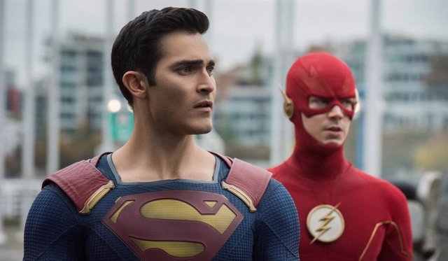 Superman y The Flash en el teaser de Crisis en Tierras Infinitas