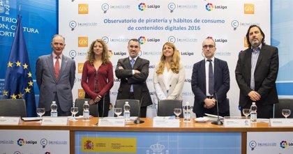 Multa de casi medio millón de euros a una red que pirateaba partidos de LaLiga