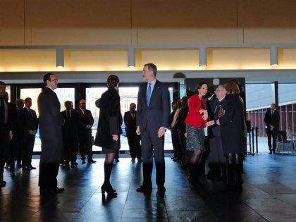 El Rey llega a Baluarte para entregar la Medalla de Oro de la CEN al empresario Manuel Torres