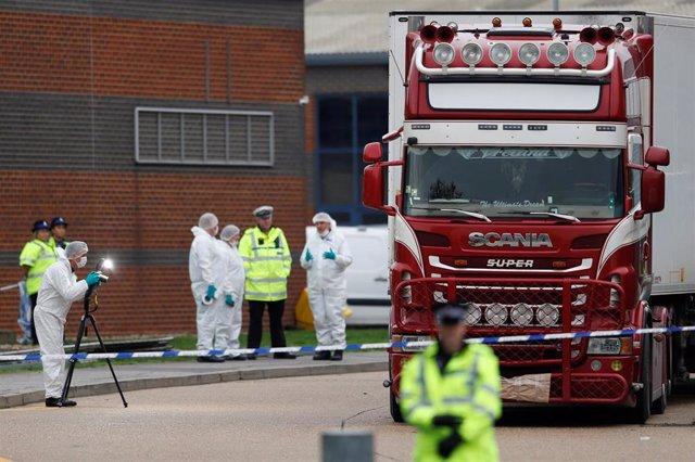 Camión con 39 muertos hallado en el condado de Essex