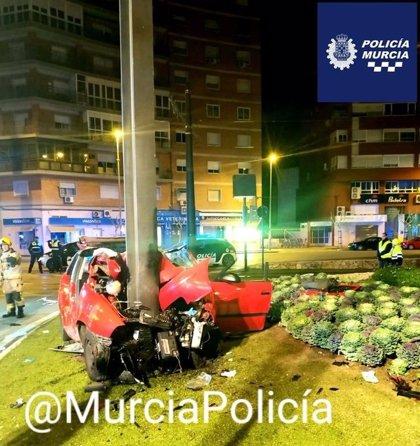Uno de los cuatro heridos en el accidente en el que falleció un joven en el centro de Murcia será dado de alta