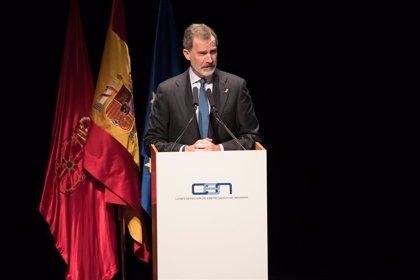 """El Rey ensalza la economía """"dinámica, abierta y competitiva"""" de Navarra con """"importantes referentes empresariales"""""""