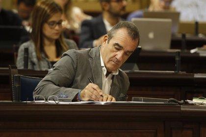 Baleares mantiene su intención de limitar el diésel en 2025 aunque acuerda una suspensión provisional