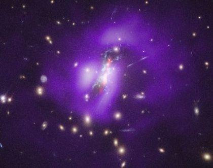 Un agujero negro debilitado permite que su galaxia se despierte