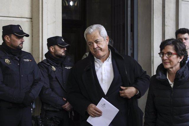 El ex consejero Francisco Vallejo, a la salida del juicio del caso ERE en la Audiciencia Provincial a 19 de noviembre del 2019