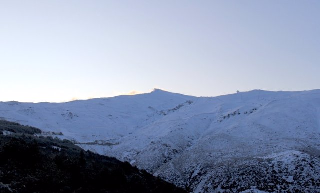 Imagen de la nevada caída durante la pasada madrugada en Sierra Nevada