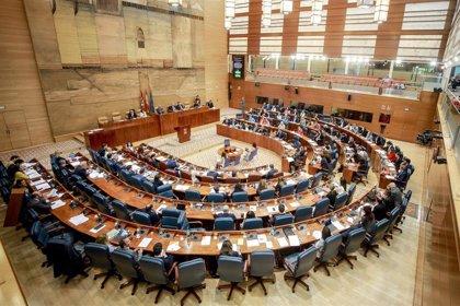 """Vox avisa de que no participarán en el pacto de menas si se les """"amordaza"""" y Más Madrid está valorando si acudirán"""