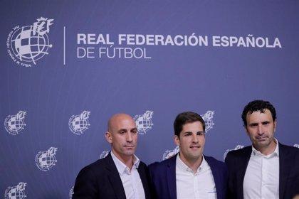 """Molina: """"Pedí tranquilidad a Robert Moreno, pero mi obligación era valorar la vuelta de Luis Enrique"""""""