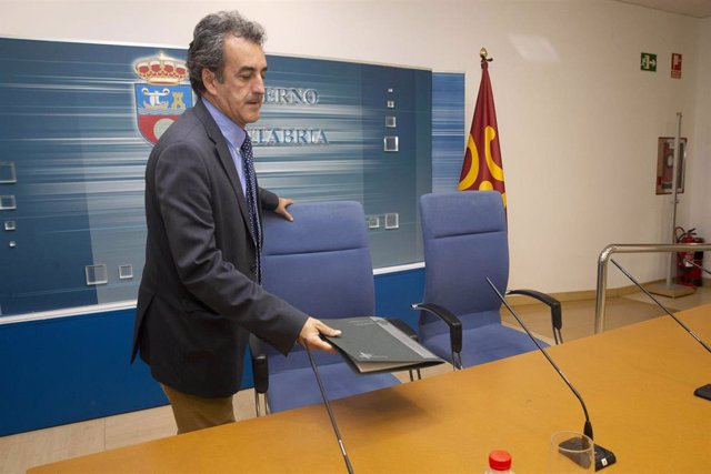 El consejero de Innovación, Industria, Transporte y Comercio, Francisco Martín, presenta el presupuesto de su departamento para 2020