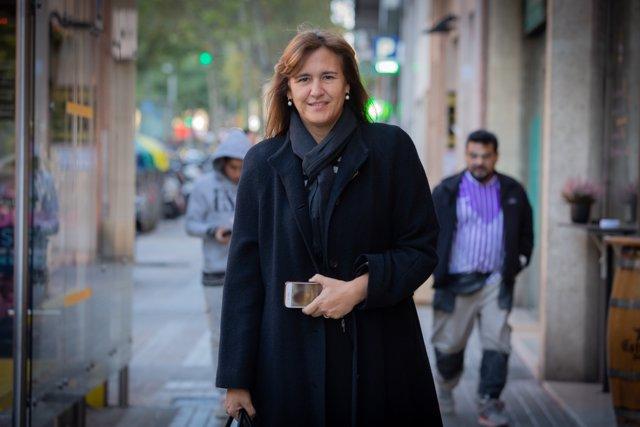 La cabeza de lista de JxCat en el Congreso, Laura Borràs, a su entrada a la ACN, Barcelona (Cataluña, España), a 8 de noviembre de 2019.