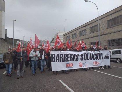 Operarios de Barreras se manifiestan para urgir la reactivación del trabajo en el astillero
