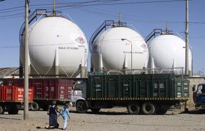 Bolivia.- Un convoy rompe el bloqueo a la planta de hidrocarburos de Senkata para abastecer a La Paz
