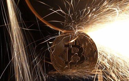 Fidelity recibe 'luz verde' de los reguladores de Nueva York para custodiar y hacer operaciones con bitcoin