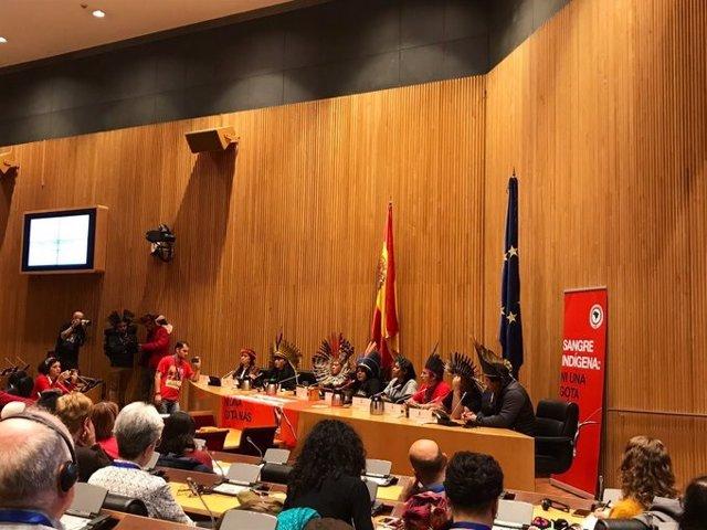 Indígenas brasileños piden en España un cambio de modelo económico y leyes espec