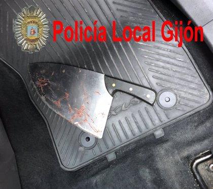 AMPL.- Sucesos.- El senegalés Papagore Ndoye, herido con un machete durante una discusión en Gijón