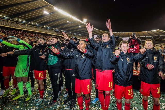 Los jugadores de la selección belga celebran el pleno