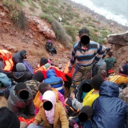 Trasladan a Melilla a los 81 inmigrantes que quedaron atrapados por el temporal en Chafarinas
