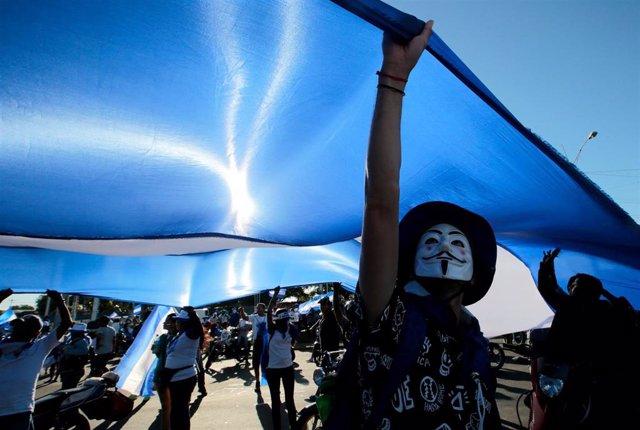 Un manifestante en las protestas contra Daniel Ortega en Managua.