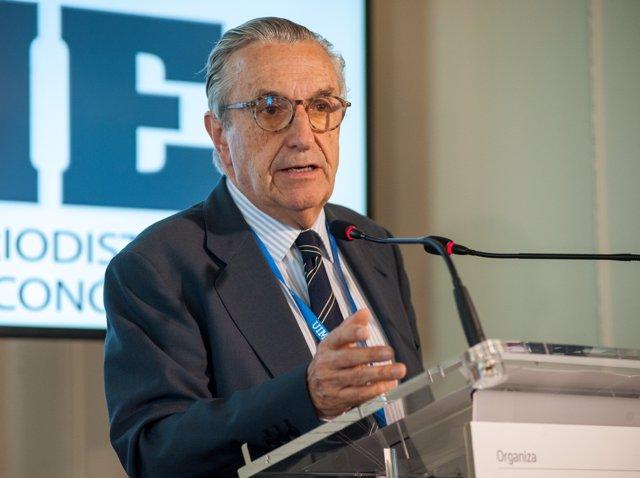 El presidente de la CNMC, José María Marín Quemada, en el curso de la APIE