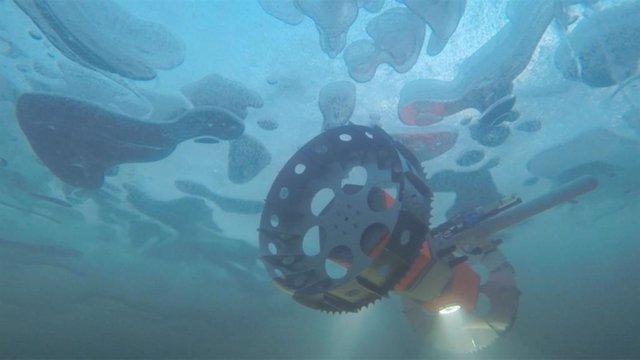 La NASA prueba en la Antártida un robot submarino para lunas heladas