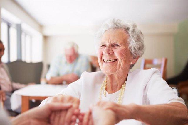 Persona mayor con osteoporosis