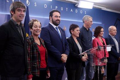 """EH Bildu se declara """"muy alejada"""" de Sánchez y le pide """"hechos"""" en favor del diálogo para decidir sobre la investidura"""