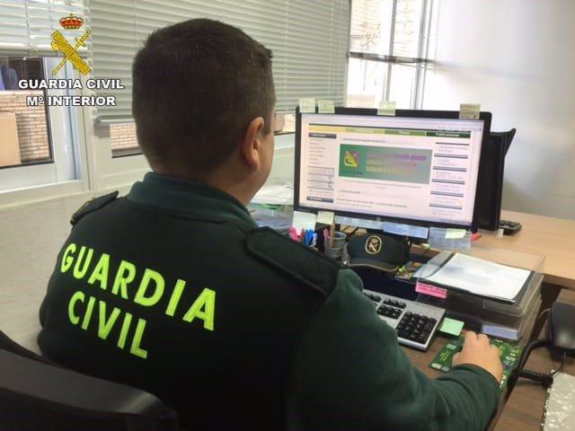 Agente de la Guardia Civil de Huelva.