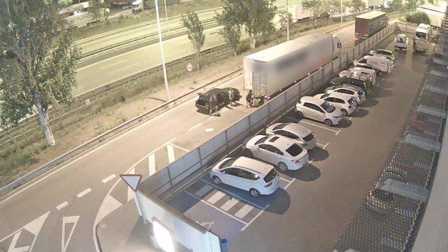Imatges de l'actuació del clan de lladres de camions estacionats a l'AP-7, desarticulat pels Mossos d'Esquadra.