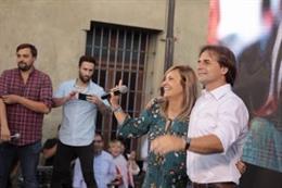 Luis Lacalle Pou y Beatriz Argimón, candidatos a presidente y vicepresidenta en Uruguay